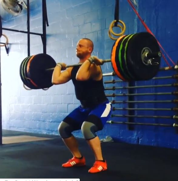 Great Clean n Jerk form during a PR lift
